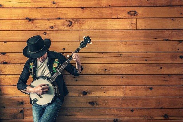 Zdobycie popularności dzięki muzyce